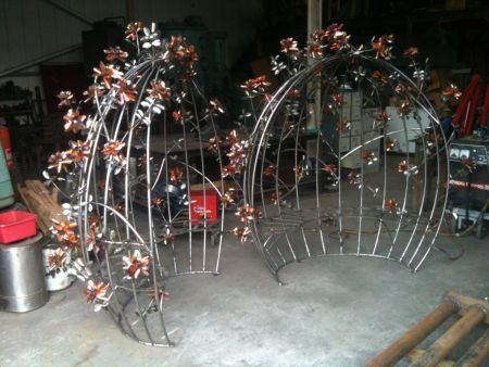 stainless seat with copper roses