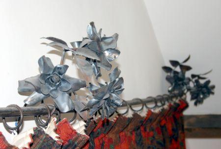 roses curtain rail bracket