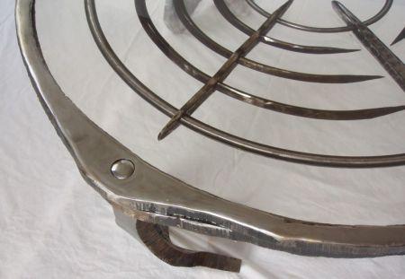 resin table detail